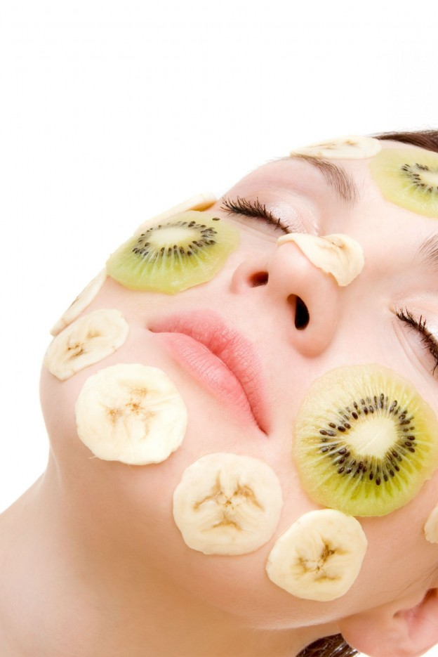 fruit-masque-on-face